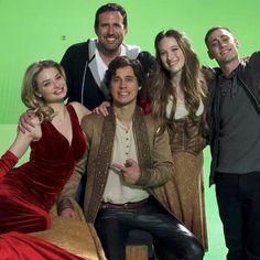 Cast Once Upon a Time In Wonderland