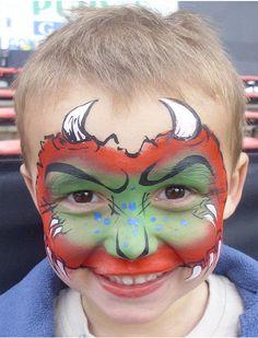 Trucco da mostro per Halloween a forma di maschera con colori sfumati