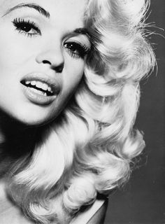 The Nifty Fifties — Jayne Mansfield Old Hollywood Glamour, Vintage Glamour, Vintage Hollywood, Vintage Beauty, Classic Hollywood, Jayne Mansfield, Classic Actresses, Hollywood Actresses, Diana Dors