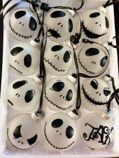 Easy DIY Nightmare Before Christmas Jack Skellington ornaments. Simple to make with a Sharpie marker and ball ornament. Perfect Halloween or Christmas craft for kids, or DIY gift. Nightmare Before Christmas Ornaments, Diy Christmas Ornaments, Halloween Crafts, Halloween Decorations, Christmas Crafts, Halloween Prop, Halloween Witches, White Ornaments, Halloween Ornaments