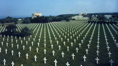 Si jamais la preuve devait être établie que nous nous sommes battus pour une cause et non pour la conquête, on la trouverait dans ces cimetières. Telle fût notre seule conquête : nous n'avons rien demandé d'autre... Qu'un peu de terre... Où enterrer nos vaillants soldats. Général Mark W. Clark