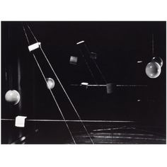 Nathan Lerner, Lightbox avec balles, vers 1940 - MaM - Paris.fr
