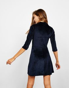 A-line velvet dress with 3/4 sleeves. Discover this and many more items in Bershka with new products every week