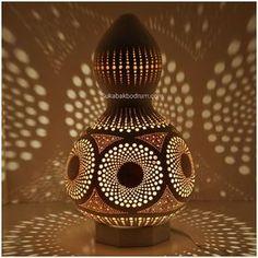 Sukabakbodrum.com Sukabakdizayn@gmail.com Gourd lamp. Sukabakbodrum.com #turkuaz #bodrum#hediye #gourds #handmade #ismeözelhediye #dekorasyon #lamba #gourdlamp #kabaklamba #gift #çiçek#gourdart #gümüşlük #türkiye #ozeltasarim #handmade #otantik #orjinalhediye #decor #istanbul #lifht #bedroom #canada #lfl #Evdekor