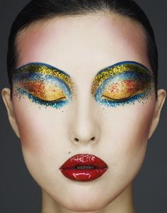 Google Image Result for http://www.eyeshadowlipstick.com/wp-content/uploads/2011/10/yellow-blue-glitter-eyes.jpg
