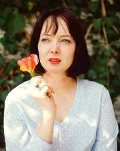 Carolyn Jones AKA Carolyn Sue Baker Born: 28-Apr-1929 Birthplace: Amarillo, TX Died: 3-Aug-1983 Location of death: West Hollywood, CA Cause of death: Cancer