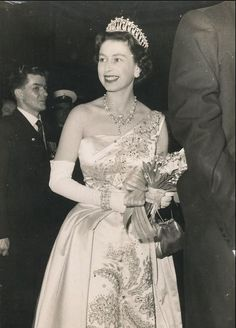 another image from the same event Queen Mary, Queen Elizabeth Ii, Diana, English Royal Family, Elisabeth Ii, British Monarchy, Save The Queen, Royal House, Duchess Of Cambridge