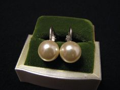Vintage Creamy Faux Pearl Ball Clip Earrings by ditbge on Etsy, $6.75