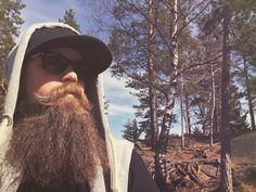 Beard in nature #beard#snapback#hot#menwithbeard#bigbeard