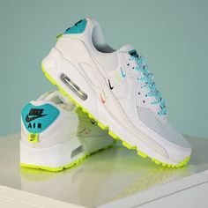 Nike Air Max 90 « Worldwide » Credit : 43einhalb — #nike #airmax #sneakerhead #sneakersaddict #sneakers #kicks #footwear #shoes #fashion #style Latest Sneakers, Women's Sneakers, Air Max 90, Nike Air Max, Footwear Shoes, Air Jordans, Kicks, Style, Fashion