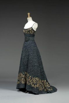 Chanel by Karl Lagerfeld, ca 1985   an evening gown in bouclé wool! Jupe c5158124cc7