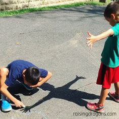 Shadow Drawing ages 4 Raising Dragons All you need is some sidewalk chalk and sunlight for this fun outdoor activity! The post Shadow Drawing ages 4 Raising Dragons appeared first on Toddlers Diy. Fun Outdoor Activities, Educational Activities For Kids, Outdoor Games, Summer Activities, Outdoor Fun, Toddler Activities, Preschool Activities, Outdoor Activities For Preschoolers, Toddler Play