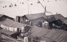 사진: 판자집-한강, 1956년, 한영수