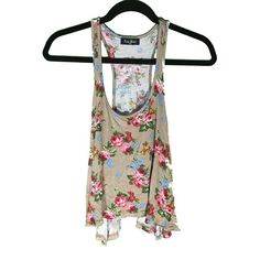 Racer back tank top  Flower print racer back tank top. Crop top and flowy! I  OFFERS! Tres Bien Tops Tank Tops