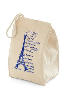 $20.00- Lead the Pack Lunch Bag in Eiffel Tower   Mod Retro Vintage Kitchen   ModCloth.com