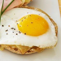 Egg and cheese sandwich on an English muffin - 5 Healthy Diner Meals - Health Mobile