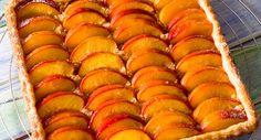 Tarte aux nectarines et palets bretonsVoir la recette >>