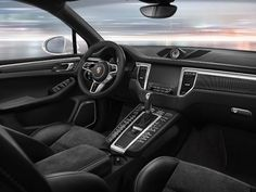 Porsche's Macan Turbo Gets Plastic Surgery_interiior