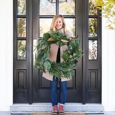 Did you catch our holiday decor video on YouTube yet?! Watch and shop through the link in profile! Pretty #mcgeeandco wreath and layered entry rugs ✔️✔️ 📷:@kateosborne