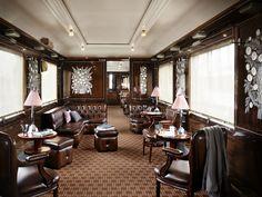 Orient-Express : La voiture bar-restaurant « Train bleu », décorée par René Lalique.