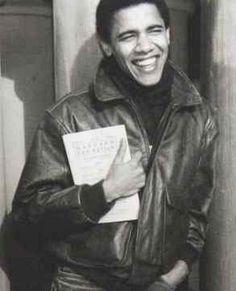 Barack Obama High School Yearbook   Obama war in der US-Basis Bagram gelandet. Die Reise findet zum