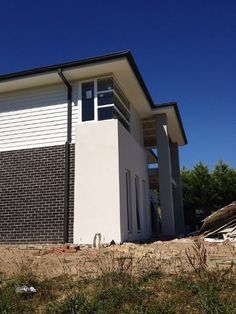 Colorbond surfmist weatherboards and render Exterior Color Schemes, Exterior House Colors, Outside House Colors, Mushroom House, Home Reno, Cladding, Beach House, Shed, Brick Exteriors
