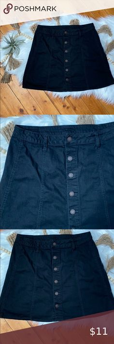 Ladies ZAC AND ZOE Size 14-16 Black Floral Embroidered VERY Stretch Denim Skirt