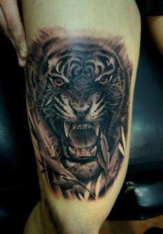Tatuagem Realísticas Tigre Coxa por Fredy Tattoo