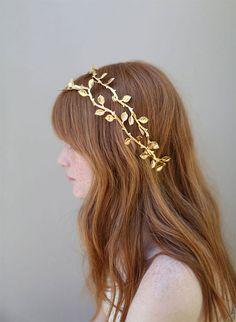 {style inspiration : tiaras made of pretty petals & gilded leaves} | Twigs & Honey