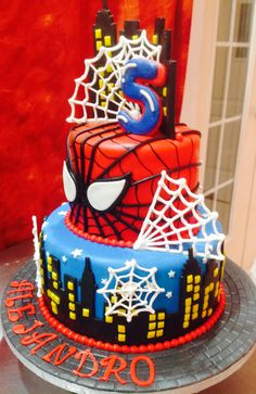 Spiderman Cake Ideas for Little Super Heroes - Novelty Birthday Cakes Spiderman Torte, Spiderman Birthday Cake, 5th Birthday Cake, Novelty Birthday Cakes, Superhero Cake, Superhero Birthday Party, Birthday Parties, Spiderman Pasta, Birthday Ideas