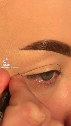 Eye Makeup Steps, Makeup Eye Looks, Eyeliner Looks, Eye Makeup Art, Natural Eye Makeup, Natural Eyes, No Eyeliner Makeup, Crazy Makeup, Skin Makeup