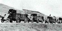 Autocarrette CL39 trainano gli obici da 75/18 Mod. 1934.