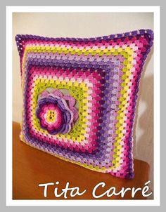 Crochet Seed Stitch, Granny Squares, Crochet Cushions, Floral, Diy And Crafts, Projects To Try, Blanket, Pillows, Verbena