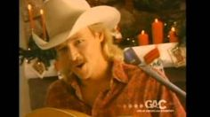 """No Holiday Season Is Complete Without Alan Jackon Singing """"I Only Want You for Christmas"""" Allen Jackson, Jackson Song, Country Christmas Music, Music Songs, Music Videos, I Only Want You, Baby Tie, How To Tie Ribbon, Honky Tonk"""