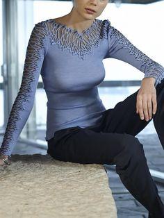 Tee-shirt encolure ronde et manches en tulle brodé Manches Longues : Oscalito Oscalito