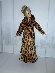 Barbie Animal Print Coat Barbie, High Neck Dress, Dresses With Sleeves, Animal, Coat, Long Sleeve, Diy, Fashion, Turtleneck Dress