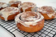 10 legszuperebb Update-sütemény Knap Daniellától Salty Snacks, Camembert Cheese, Paleo, Cheesecake, Muffin, Sweets, Cukor, Breakfast, Food