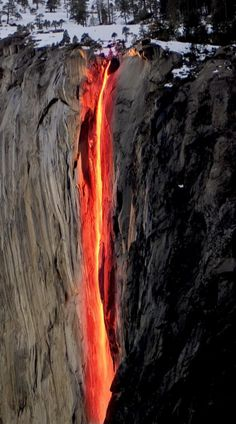 The Yosemite Firefall, this amazes me. I wish I've seen this.