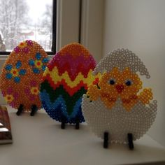 Easter eggs hama perler beads by Aina Høgstad Perler Bead Templates, Diy Perler Beads, Perler Bead Art, Melty Bead Patterns, Perler Patterns, Beading Patterns, Crafts To Do, Bead Crafts, Pixel Art