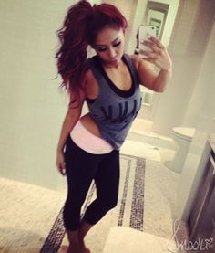 S/o to my girl snooki!!! Friggin love her!!! She's come so far and she's continuing! She's my role model! She's lost 42 pounds!! Amazing!!