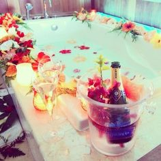 summer perfect luxury want water alcohol flowers bath relax classy i wine champagne relaxing honeymoon Spas, No Time For Me, Just For You, Dream Bath, Good Massage, Face Massage, Massage Bed, Relaxing Bath, Love Is In The Air