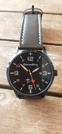 Reloj BlessedHug -35 Euros-  #CruzIgualAmor Tic Tac, Watches, Leather, Accessories, Black Backgrounds, Faux Fur, Clock, Wristwatches, Clocks