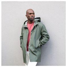 Shop the Stutterheim Stockholm raincoat in Green. Light Jacket, Rain Jacket, Green Raincoat, Stockholm, Everyday Fashion, What To Wear, Windbreaker, Pretty