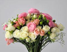 WEDDING FLOWERS GREEN BOUQUET wedding flowers wedding bouquet flower arrangement  green bouquet PEONIES RANUNCULUS WHITE PINK