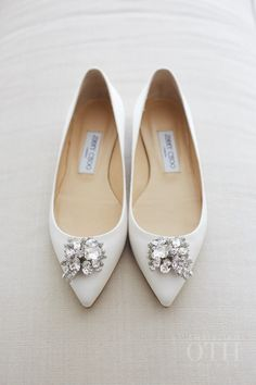 White pointed toe embellished Jimmy Choo pumps: http://www.stylemepretty.com/alabama-weddings/2016/10/01/southern-great-gatsby-style-wedding/ Photography: Shawn Connell - http://www.christianothstudio.com/artists/shawn-connell