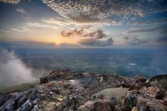 12 Incredible Hikes Under 5 Miles Everyone In Virginia Should Take