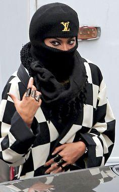 Do you recognize the singer wearing a black Louis Vuitton ski mask?! Beyonce
