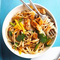 Sesame Chicken and Noodles ingredients  1/3  cup rice vinegar  1/3  cup thinly sliced green onions  2  tablespoons honey  1  tablespoon reduced-sodium soy sauce  1  tablespoon grated fresh ginger  2  teaspoons Asian garlic-chili sauce  2  6 ounces refrigerated grilled chicken breast strips