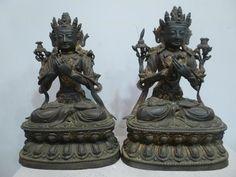 Deux bodhisattvas en bronze.  XVe siècle. Epoque Ming. Haut : 27