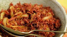 Carne seca acebolada: receita da Rita Lobo - Receitas - GNT
